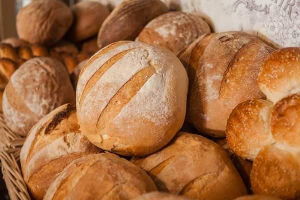 Pâine albă rotundă